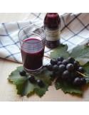 Succo e polpa di uva fragola nera